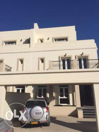 w1 oeropien style villa for rent in al ozaiba بوشر -  1