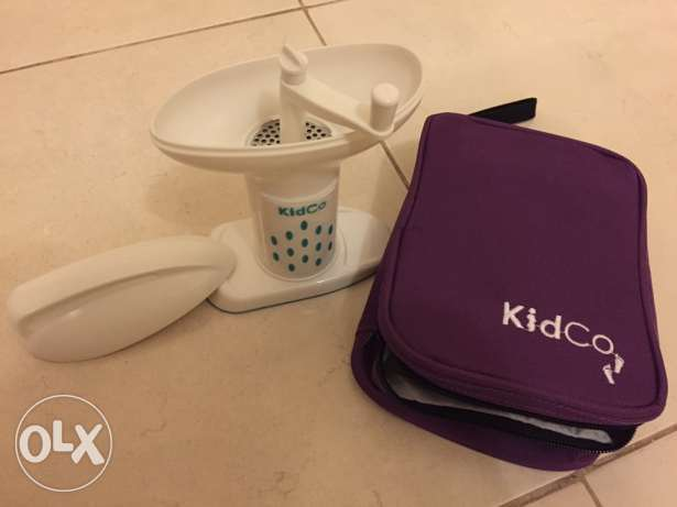 Baby food grinder with travel tot-from USA-urgent sale
