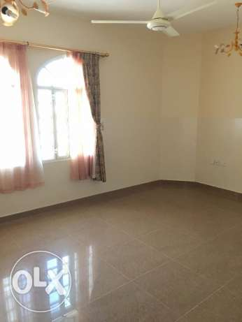flat for rent in al south north 3 bhk for 350 rial السيب -  6