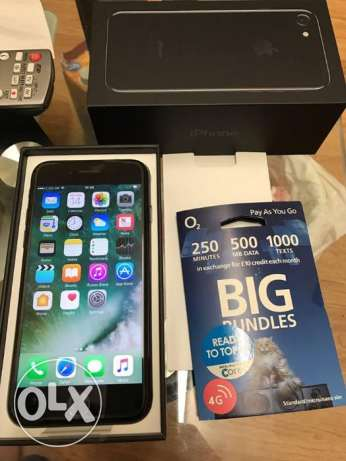original apple iphone 7 128gb come with 1 year warranty