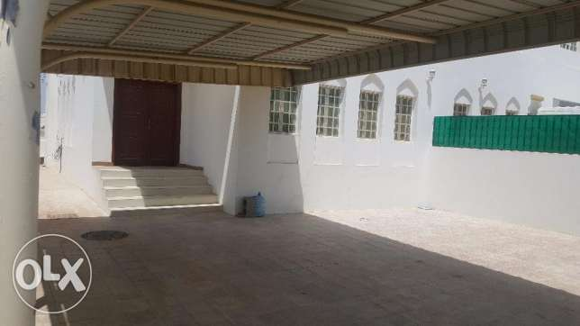 AH122 twin villa for rent in al mawaleh south just for 450 ro