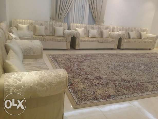 Sofa sitters for 15 person/جلسه ل 15 شخص