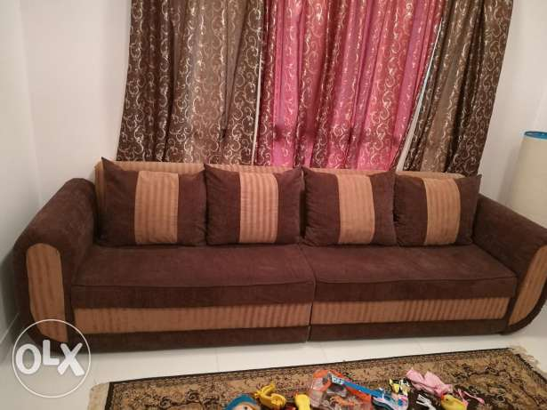 4 Seater Sofa with square center table 90 RO السيب -  1