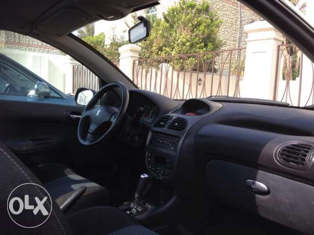 Peugeot model 206CC covertable for sale , year 2007 السيب -  3