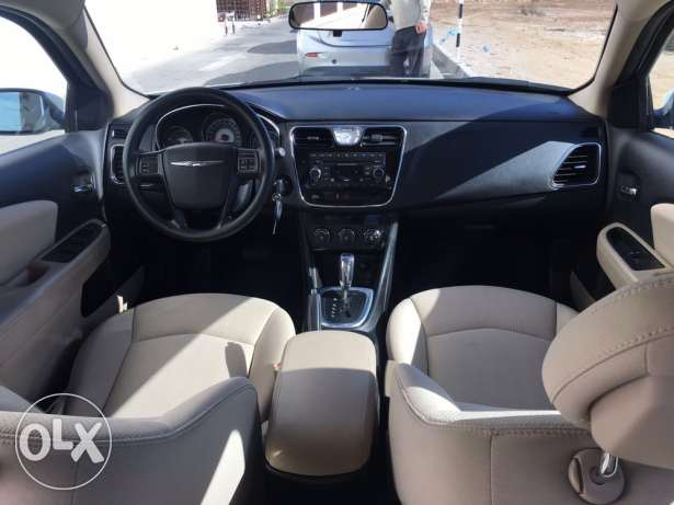 Chrysler 2013 C200 under warranty low mileage مسقط -  7