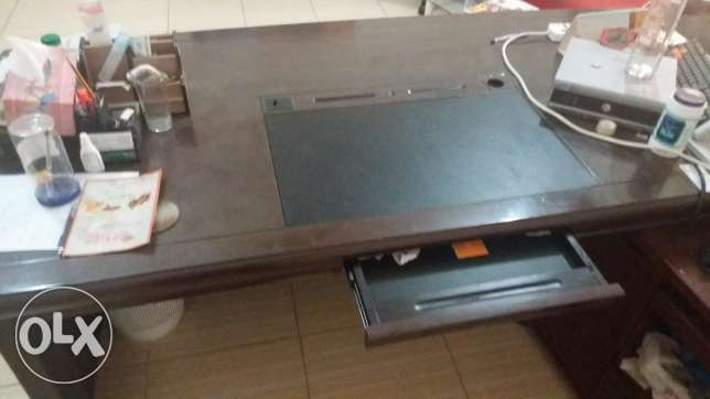 Office Table السيب -  2