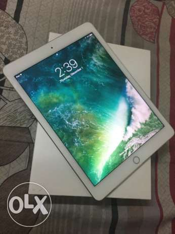 Apple iPad Air 2 16GB Wifi Gold color 100% clean condition مسقط -  1