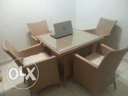 homecentre dining set excellent quality. urgent sale