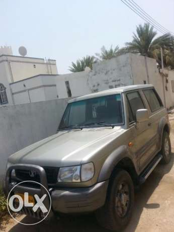 Hyundai Galloper - 4 wheel drive and very clean, everything is working العامرّات -  2