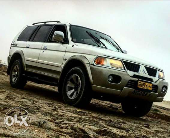 4×4 Mitsubishi 2009 full automatic No 1 original paint free accidents بوشر -  1