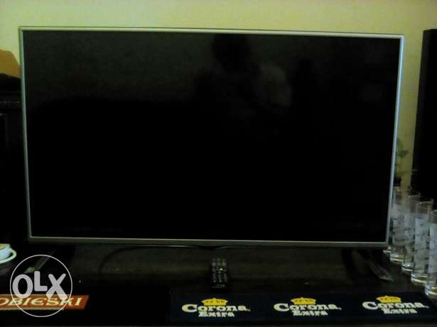 8 month old LG 42inch tv. dish tv receiver مسقط -  1