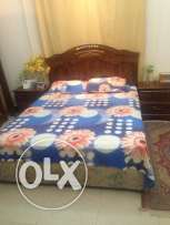 queen size bed for sale omr40