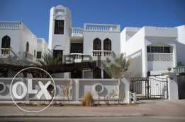 Shatti Al Qurum - 5 Bedroom Villa For Rent - Commercial or Residential