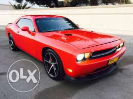 Dodge Challenger 2010 Hemi SRT8 manual