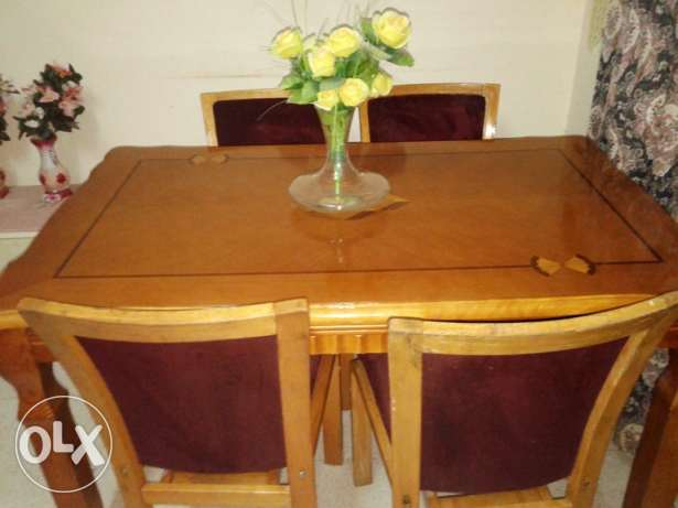 Dinning Table, 4 Seater Sofa, Double Bed Room Set along with 2 Mattres مسقط -  1