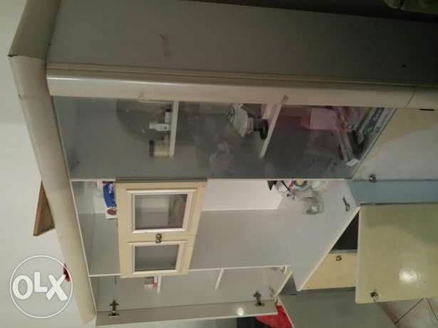 Wall unit for sale. Expat leaving urgently selling مسقط -  1