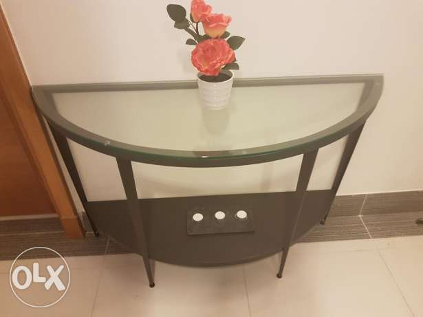 Lovely Half Moon Table (Metal Frame)