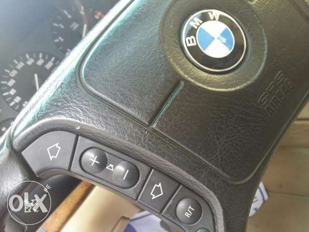 BMW 735Li V8 ( Full options)
