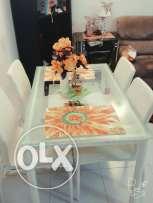 Home centre dinning table for sell..