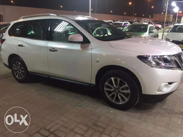 Nissan Pathfinder 2017 for daily rent