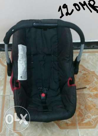 2 Baby bed and cot and car seat all good condition صحار -  2