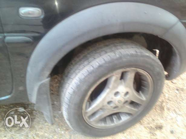 5 tires with rim مسقط -  2