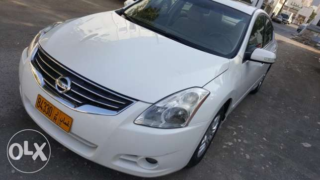 NISSAN Altima 2011 MINT CONDITION LIKE NEW 2.5CC Full Automatic Full
