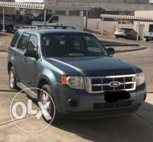 Ford Escape 2012 Full automatic 2.5 cc,service from agency,oman car