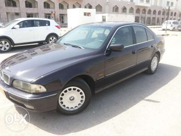 BMW523i excellent condition agency Oman everything worksFREE ACCIDENT