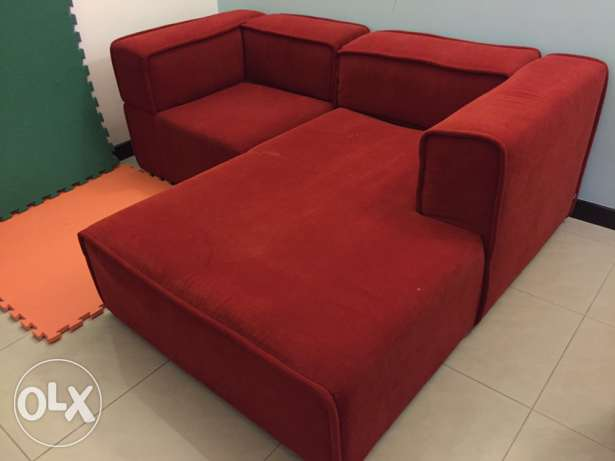 BoConcept Red Couch مسقط -  1