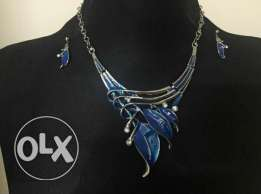 Fabulous Blue Leaf Pendant Necklace & Earrings for Women