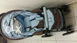 Very good condition Juniors branded stroller with baby cradle
