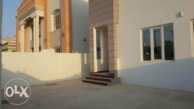 KA 015 Part of twin villa 5 BHK in south mawaleh for rent مسقط -  3