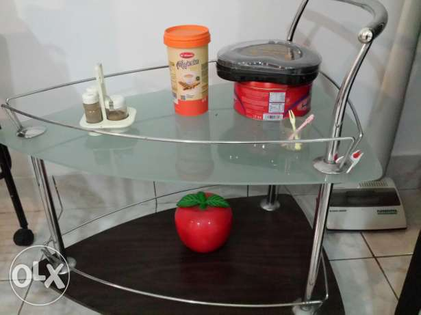 Trolley table Expat leaving urgently selling مسقط -  1