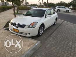 Nissan Altima 2008 very clean