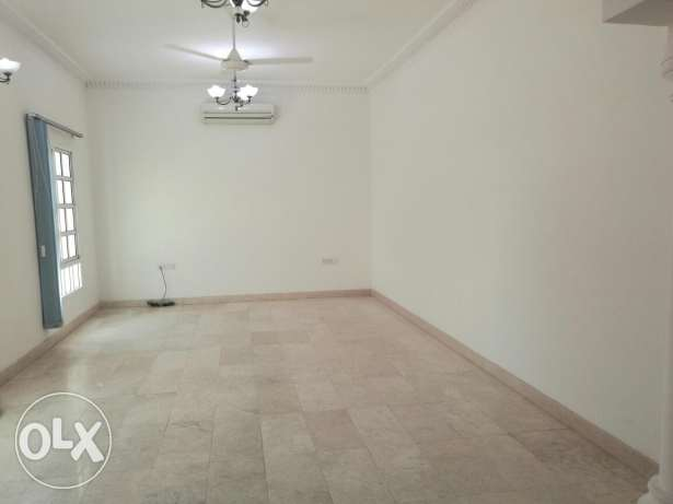 Azaiba villa for rent مسقط -  5