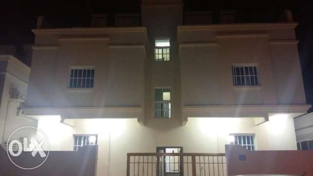 New apartment first inhabitant in Al Khuwair 33 about 3 rooms, lounge,