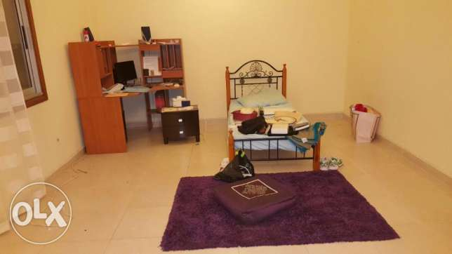 New Flats for rent in qurum with 2 bedrooms and 3 bedrooms 200 R روي -  1