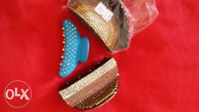 bangles and hair clips مطرح -  1