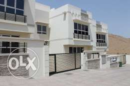 New 6-bedroom villa for Rent in Bowsher