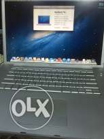 MacBook Pro with 100 Ro
