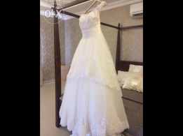 Nice lovely wedding dress New bride dress with full crystals,