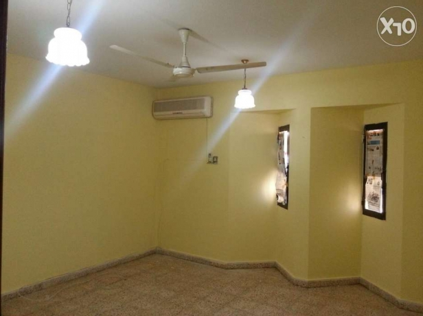 Room for rent at Qurum near Sabco