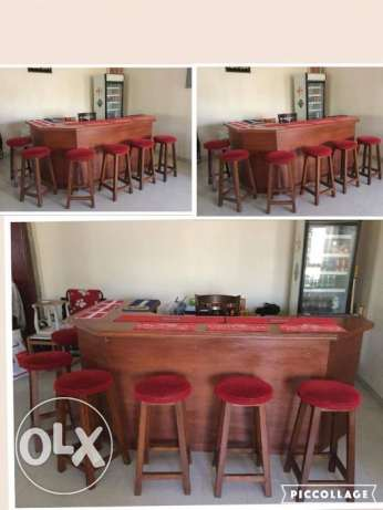 Bar with stools, Captain's chair and glass fronted drinks fridge مسقط -  2