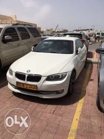 BMW Excellent Offer! 2011 BMW 335i convertible 75,000KM full insurance مسقط -  2