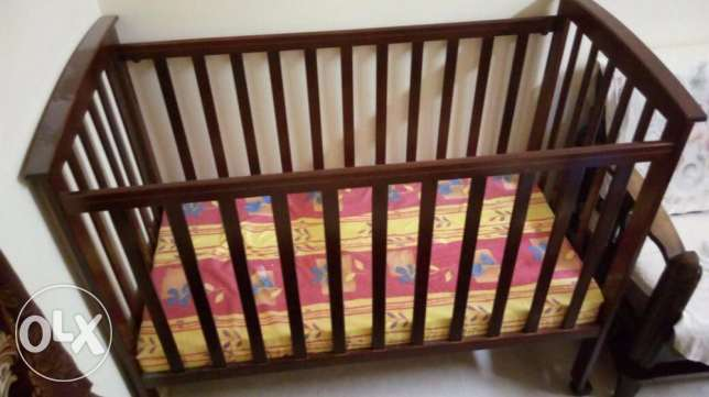 Wooden Cradle - Not used at all - Movable and Adjustable مسقط -  1