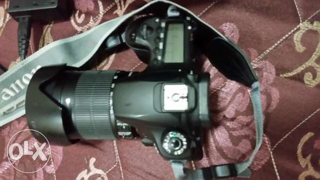 dslr camera canon 60D in great conditio for only 270 omr