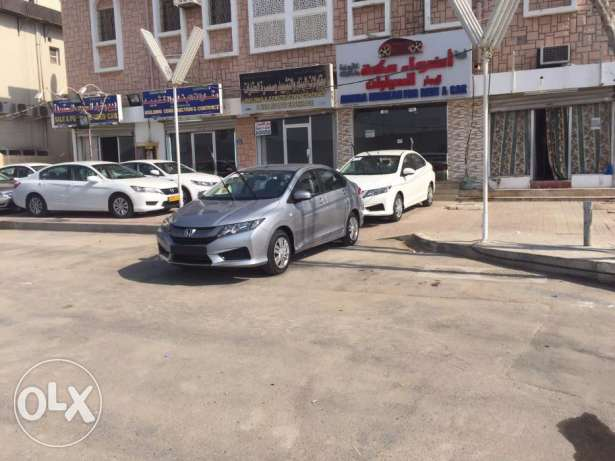 Daily Rent Luxury Salon cars for omanis &expats& visitors Luxury New مسقط -  2