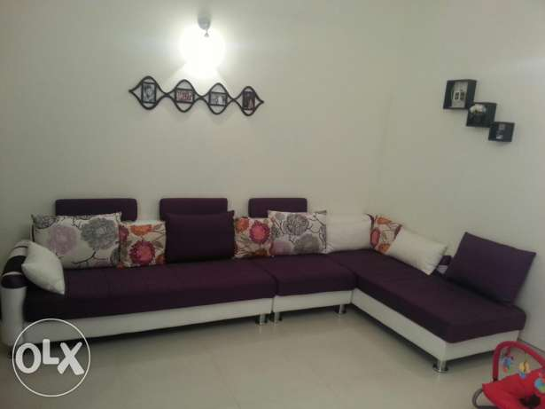 L shape sofa set from homes r us in excellent condition fw months used السيب -  1