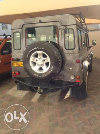 2005 Land Rover Defender 110 Station Wagon 9 Seat Excellent Condition مسقط -  6
